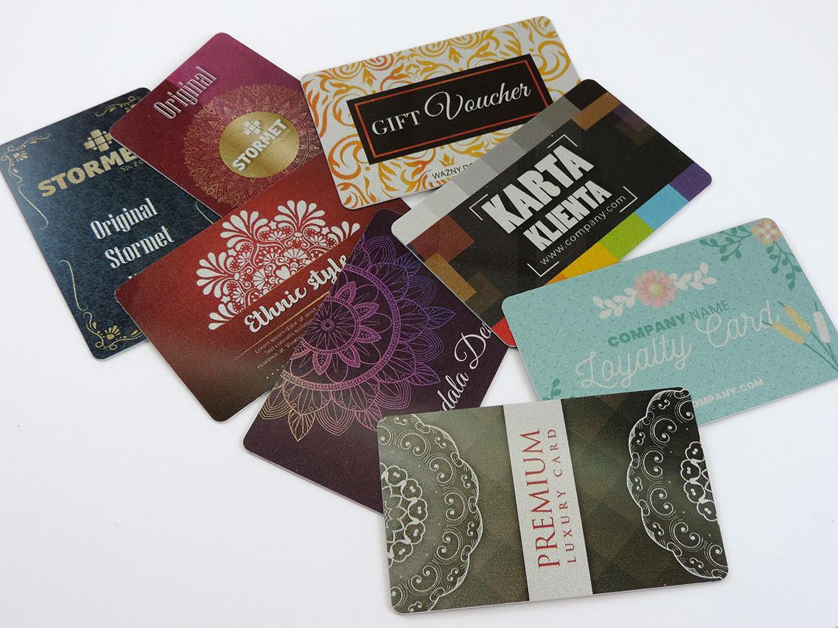 Karty plastikowe PCV ze srebrnym podkładem