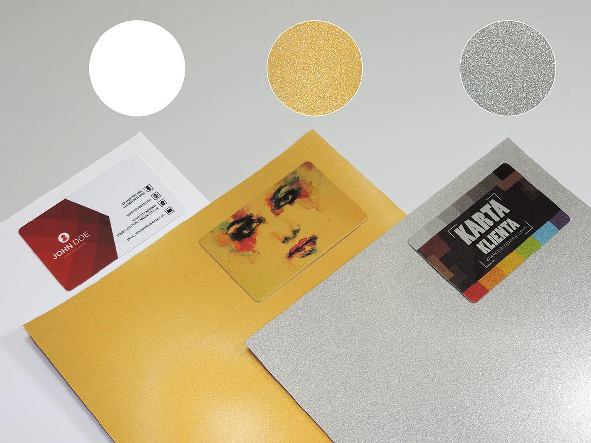 Karty z podkładem metalizowanym złotym lub srebrnym